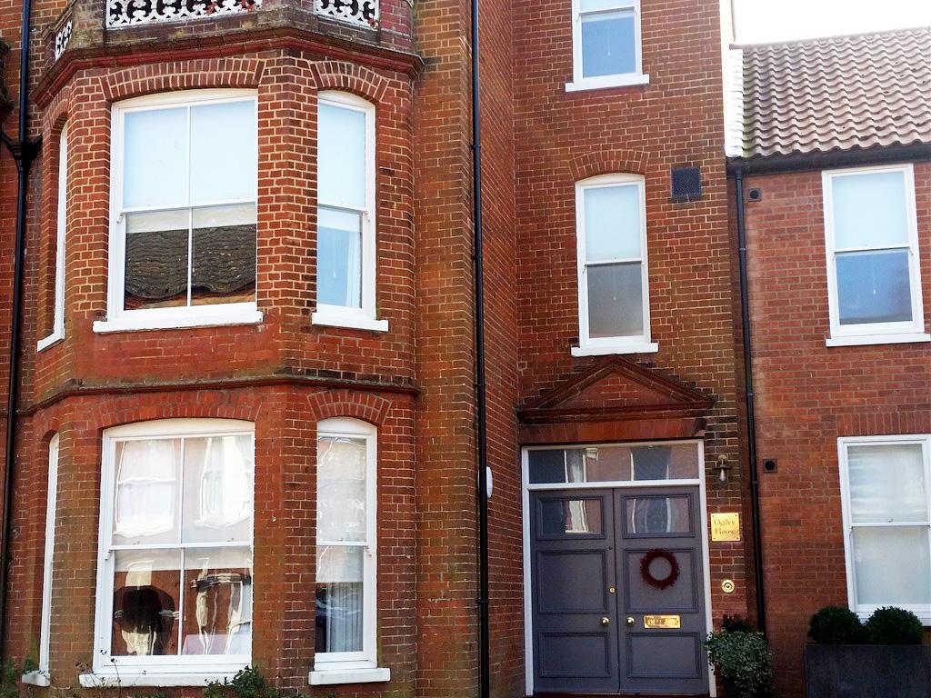Front door to Ogilvy House B&B in Cromer.
